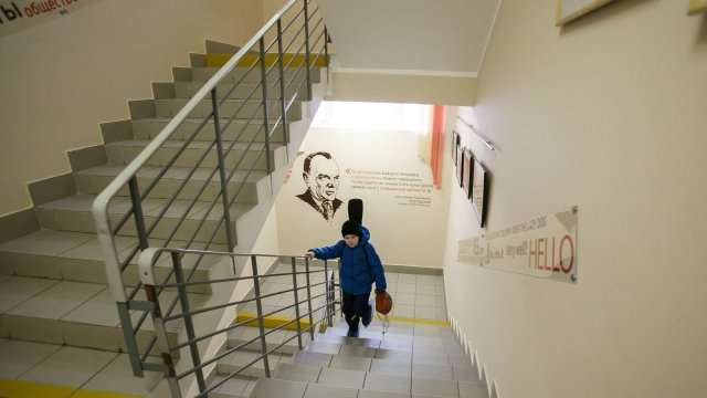 Изображение 26 - оформление школы: лестниц, рекреаций, актового зала, коридоров