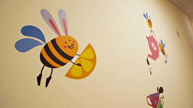Изображение 4 - Оформления стен детского центра Улей
